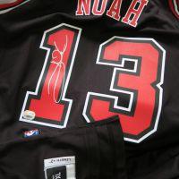 Joakim Noah Bulls Signed Swingman Jersey