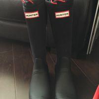Hunters Black Boots x 1