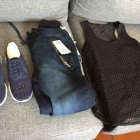 1x jogger pants 24.97 1x navy suede snea